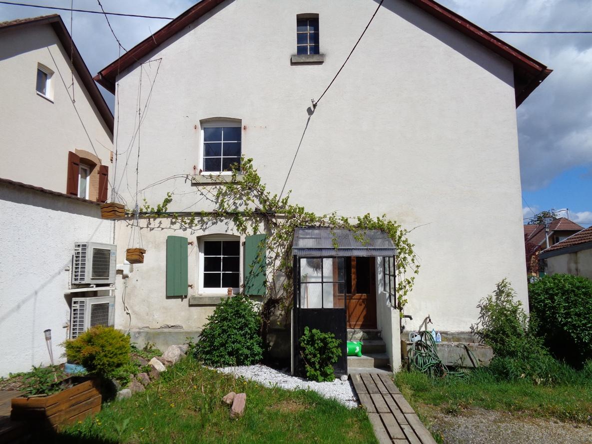 Ref. 1286 – Maison avec granges et jardin à Dannemarie